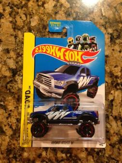 Hot Wheels 2013 Blue '10 Toyota Tundra. HW Hot Trucks. New i