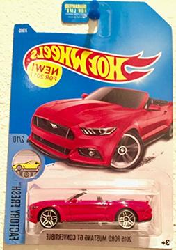 Hot Wheels 2017 Factory Fresh 2015 Ford Mustang GT Convertib