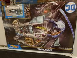 Hot Wheels Batman DC Batcave  Playset With Batman Car  New