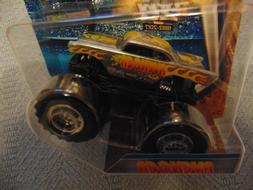 Chrome AVENGER  2017  Hot Wheels Monster Jam Truck  with Fla