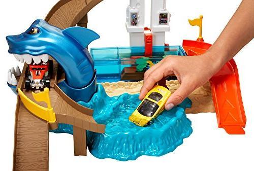 Hot Wheels Sharkport Showdown Trackset
