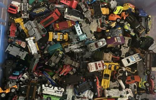 UNSEARCHED Lot / Vehicles Matchbox, Disney, Tonks ECT.