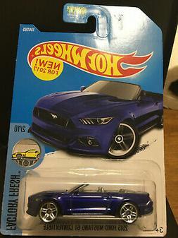 Hot Wheels Mainline 2015 Mustang GT Conv. Collector #104 *Bl
