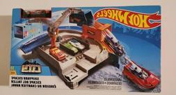 Hot Wheels Mattel City Shipyard Escape Set Toy