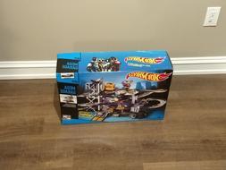 Mattel Hot Wheels Mega City Garage Track Playset  - V3260