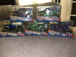 hot wheels monster jam 1:24 Grave Digger 30th Anniversary Co