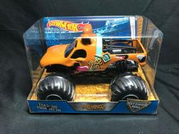 Hot Wheels Monster Jam Scooby Doo Die-Cast Vehicle, 1:24 Sca