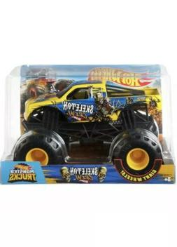 Hot Wheels Monster Trucks 1:24 Scale Skeleton Crew Vehicle T