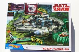 Hot Wheels Star Wars Millenium Falcon track set Chewbacca- s